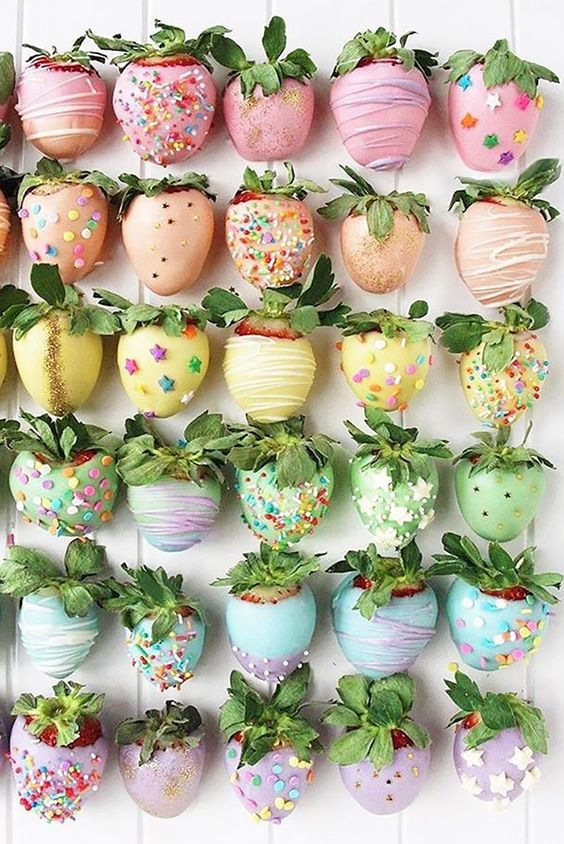 Owoce zamiast torty weselne, tort weselny z owoców, owoce w czekoladzie, tort weselny inne pomysły,  Tort weselny, przyjęcie weselne, wesele, słodki stół', słodkości na weselu, organizacja wesela, dekoracja stołu słodkiego, Inspiracje ślubne