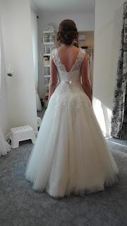 moja suknia ślubna od tyłu