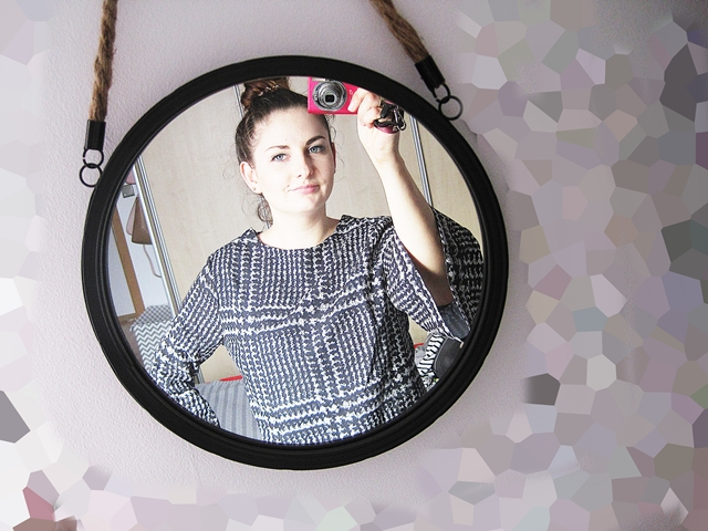 http://www.zaful.com/bell-sleeve-houndstooth-dress-p_214452.html?lkid=17770