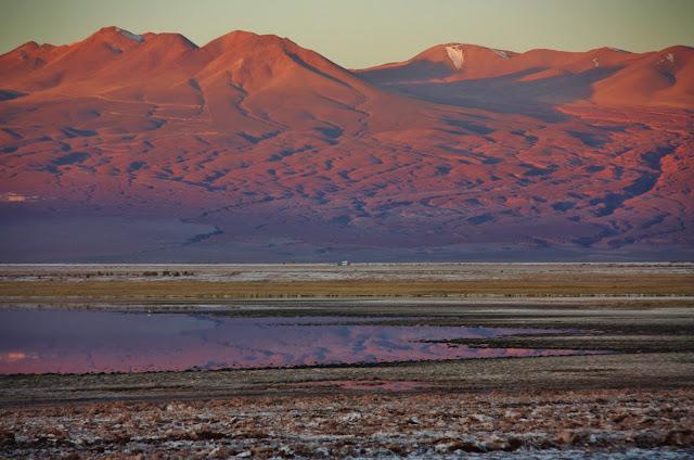 Fim de tarde na Laguna Tebenquiche, no Deserto do Atacama.