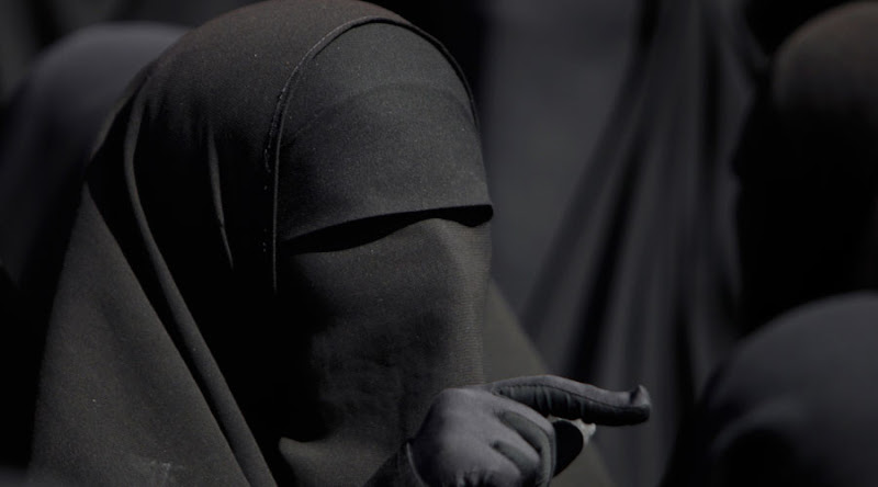 Le Maroc interdit la vente et la fabrication de la Burka.