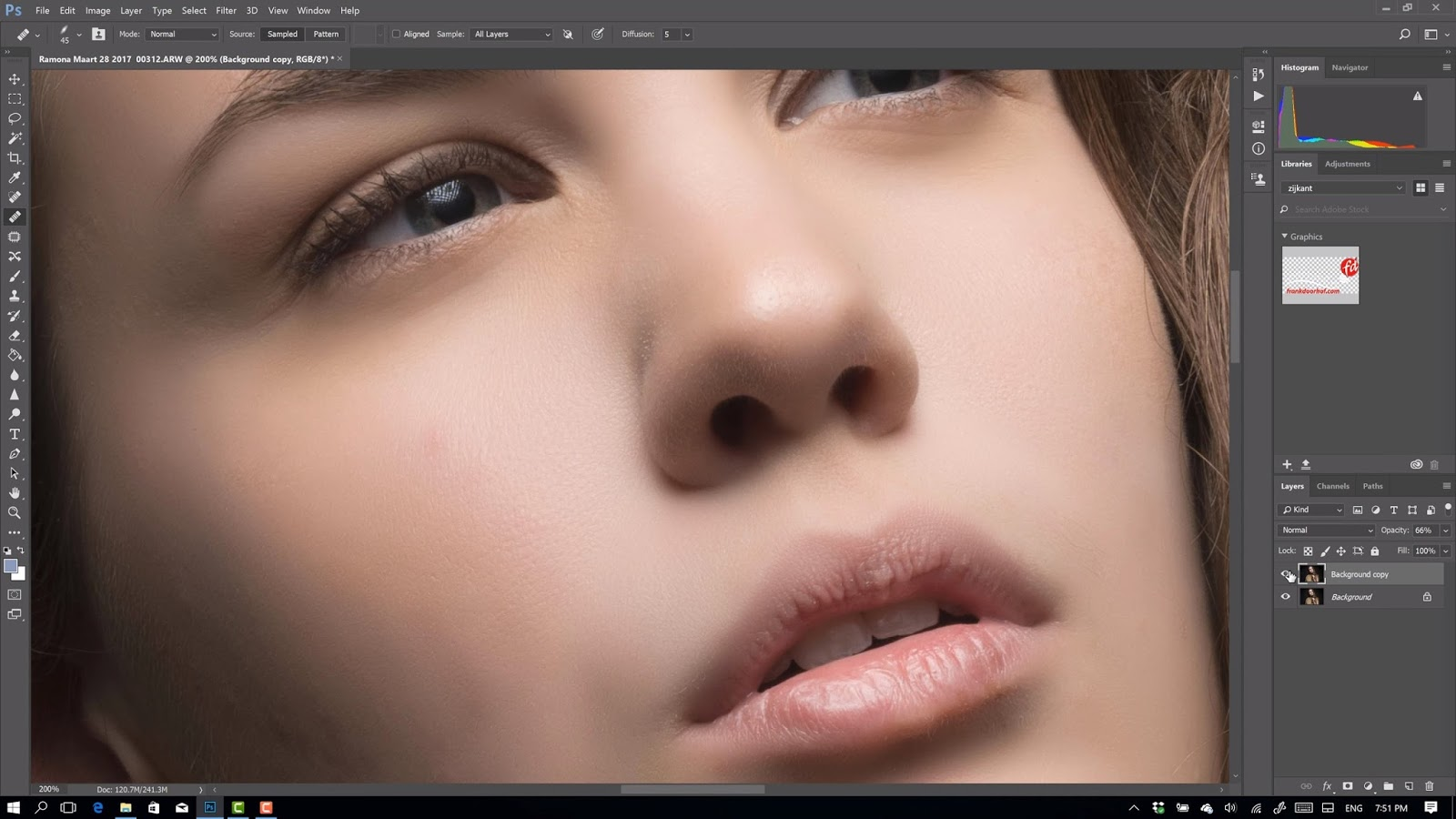 Photoshop tip for removing bags under the eyes DC
