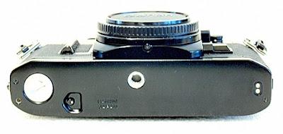 Canon AE-1, Bottom