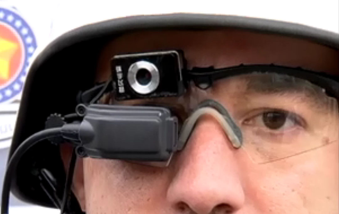 fee90720b23fd Os óculos não ficam conectados on-line com uma central da Polícia Militar  (esqueçam os filmes por ora)