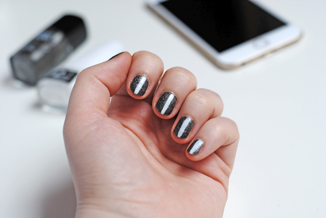 striped manicure stripe nail art silver white