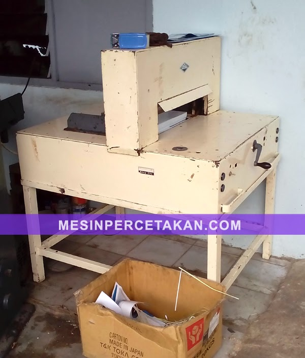 Mesin potong kertas IDEAL | 52 cm