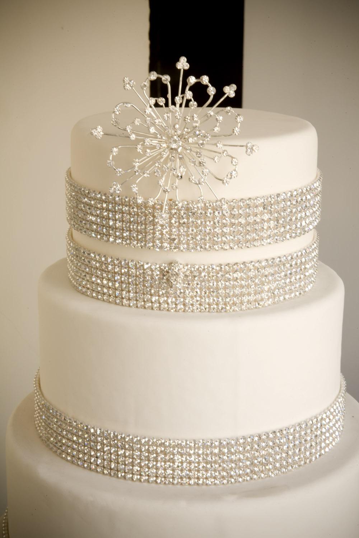 a simple cake crystal decorations more diy bling. Black Bedroom Furniture Sets. Home Design Ideas