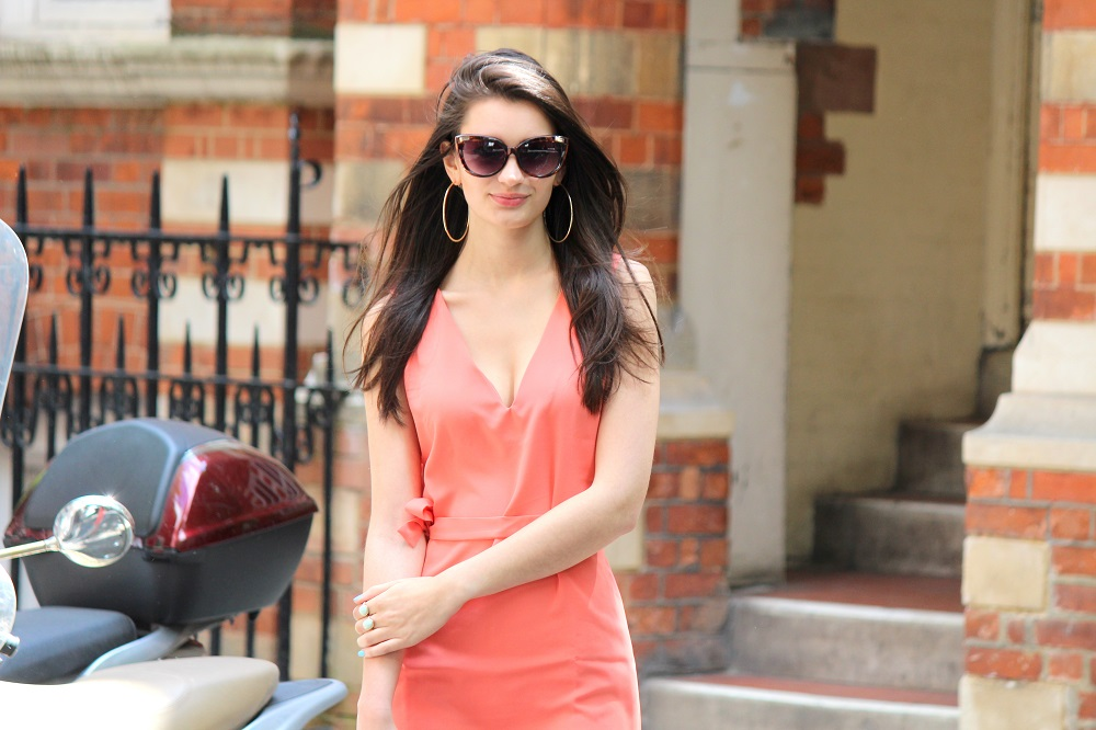peexo fashion blogger wearing coral dress