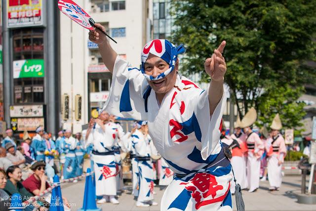 高円寺パル商店街、いろは連の阿波踊りの写真 1