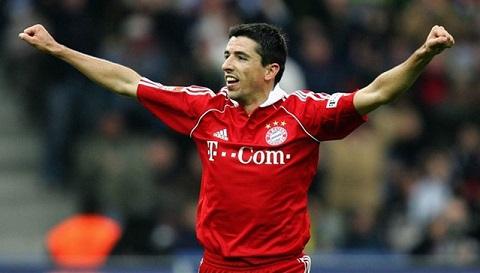 Roy Makaay, cầu thủ người Hà Lan khoác áo đội tuyển Bayern Munich đã ghi bàn vào 10,12 giây tại Champions League.