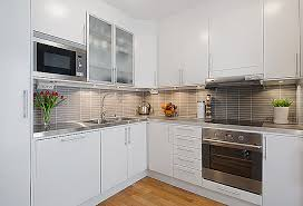 Desain Kitchen Set Warna Putih