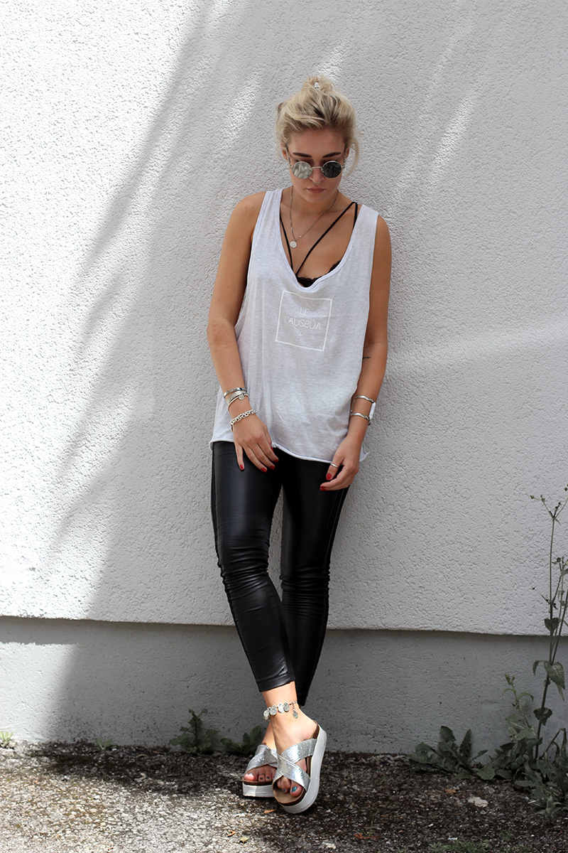 Blogger-Modeblog-Fashionblog-Fashion-Bavarian Couture-Maze-Lederleggings-Leather-Shirt-ootd-Outfit-Style-Streetstyle-Look-Lookbook-Munich-Muenchen-Mode-Photography-Lauralamode