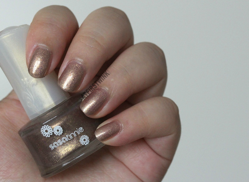 Sasatinnie nail polish P537 - Raspberry gold bronze shimmer foil swatch