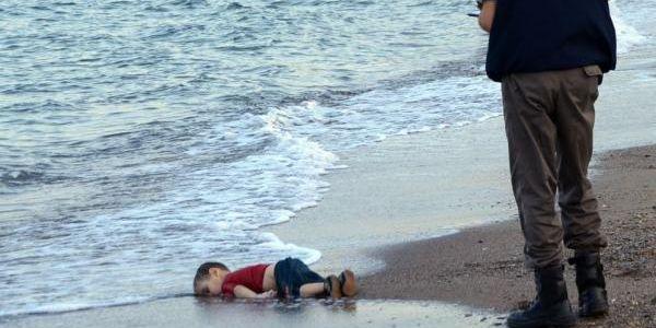 Resultado de imagen para El naufragio de la humanidad