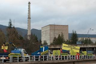 Repuestos caducados, bidones radiactivos corroídos y una denuncia anónima