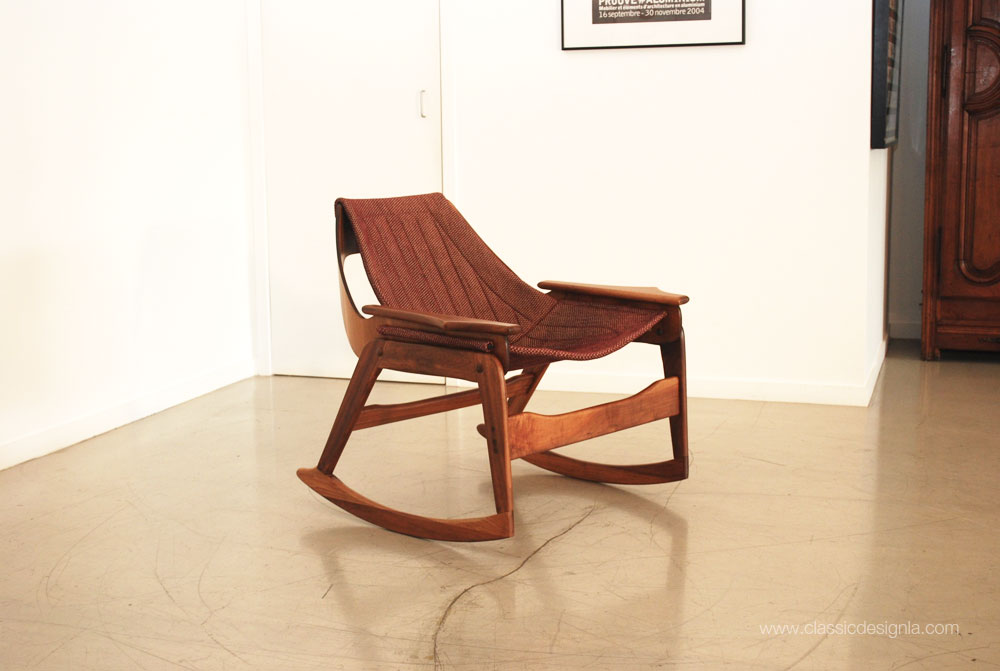 The Lines On This Rocking Chair Are Amazing   The Frame Is Walnut, With A  Contoured Bentwood Back That Flows U0027like A Ribbon Through Airu0027. The Sling  Seat Is ...