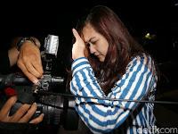 Terungkap Siapa Wanita Cantik Yang Ditangkap KPK Bersama Patrialis Akbar