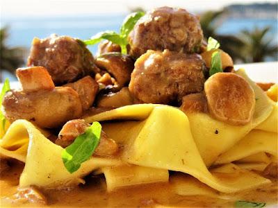 Ćufte u umaku od šampinjona / Meatballs in mushroom sauce
