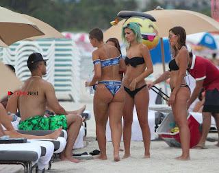 YesJulz-in-Bikini-607+%7E+SexyCelebs.in+Exclusive.jpg