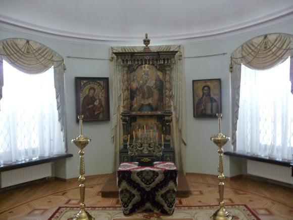 Батурин. Палац графа Розумовського. Ікони 18-19 ст. Мощі св. Варвари