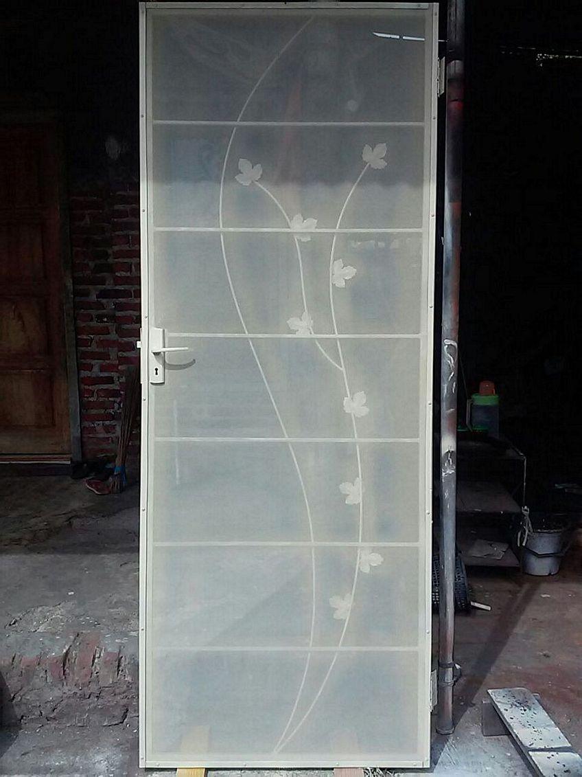 pintu aluminium anti nyamuk 1