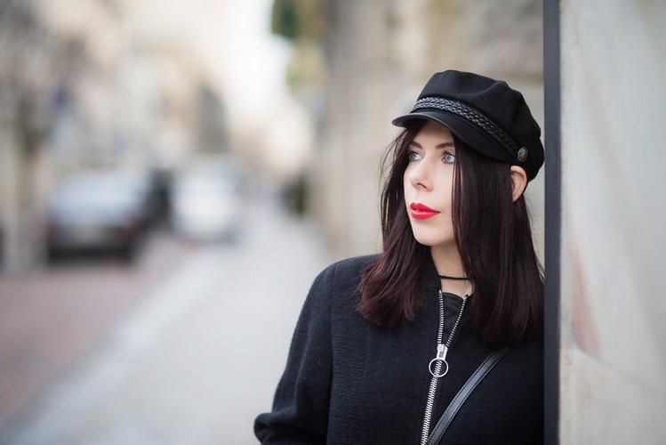 portret w czapce sesja dziewczyna
