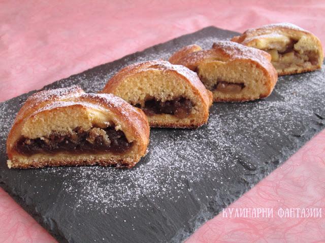Пирог с ябълки и орехи