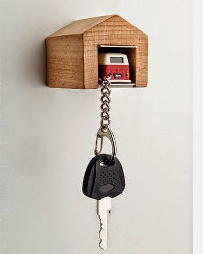 Nag On The Lake: VW Bus Keychain With Wooden Garage