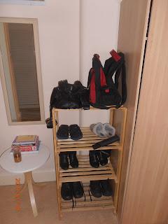 Glasgow-i lakás cipős szekrénye