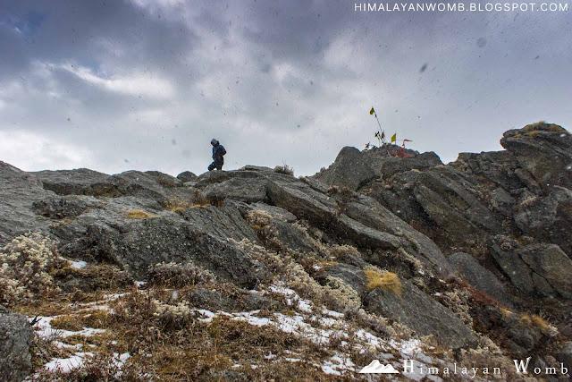 Peak near world famous paragliding site bir billing, himachal pradesh