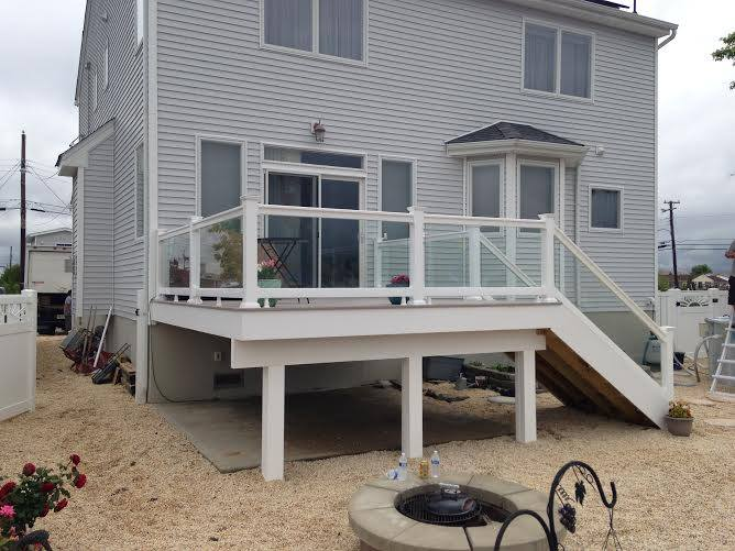 All Vinyl Fencing Beach House Trends That Are Shore To Please