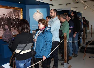Escuchando la explicación en el museo de la mina del Pozo Arnao