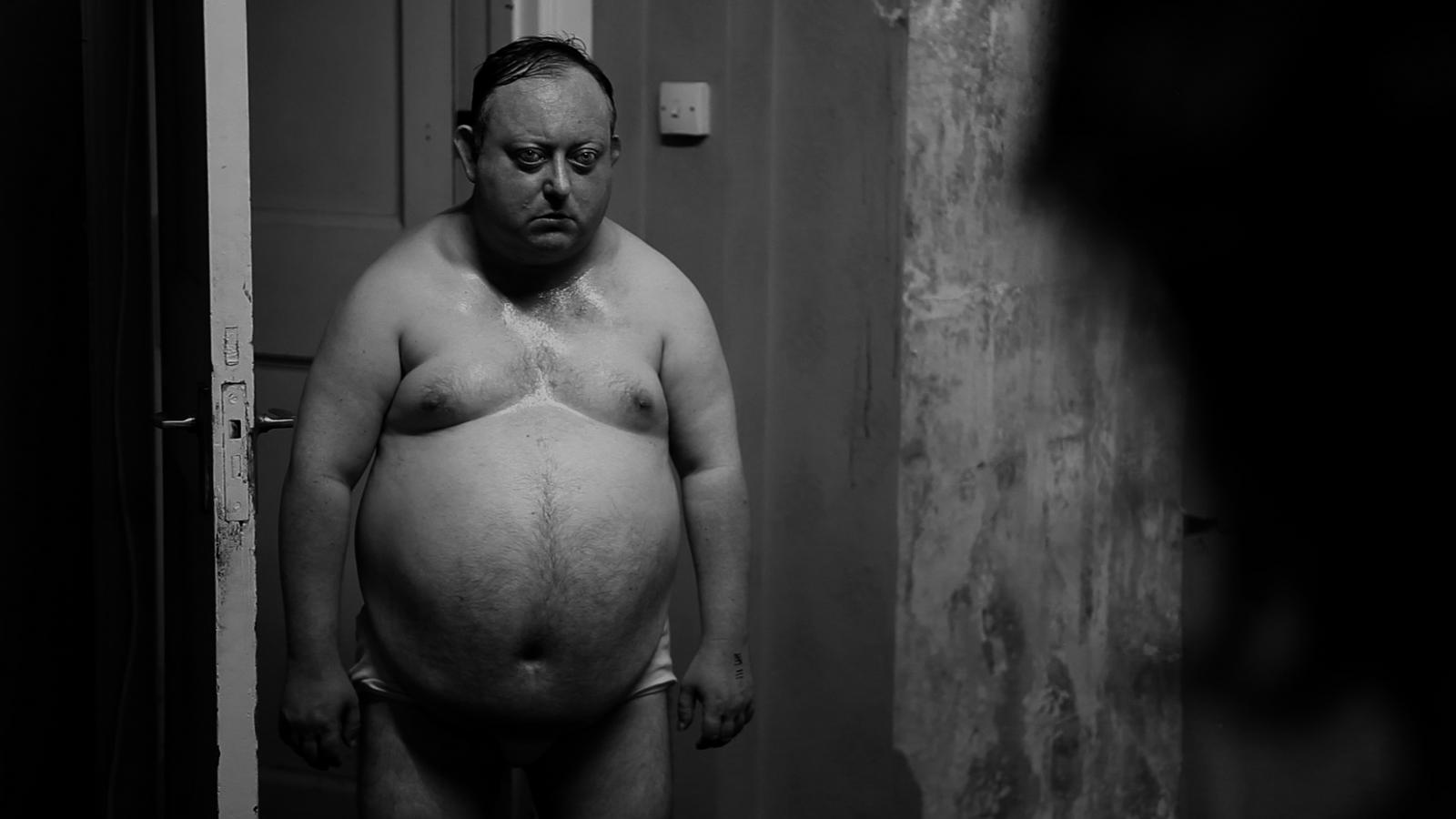Русский лысый толстый мужик трахнул