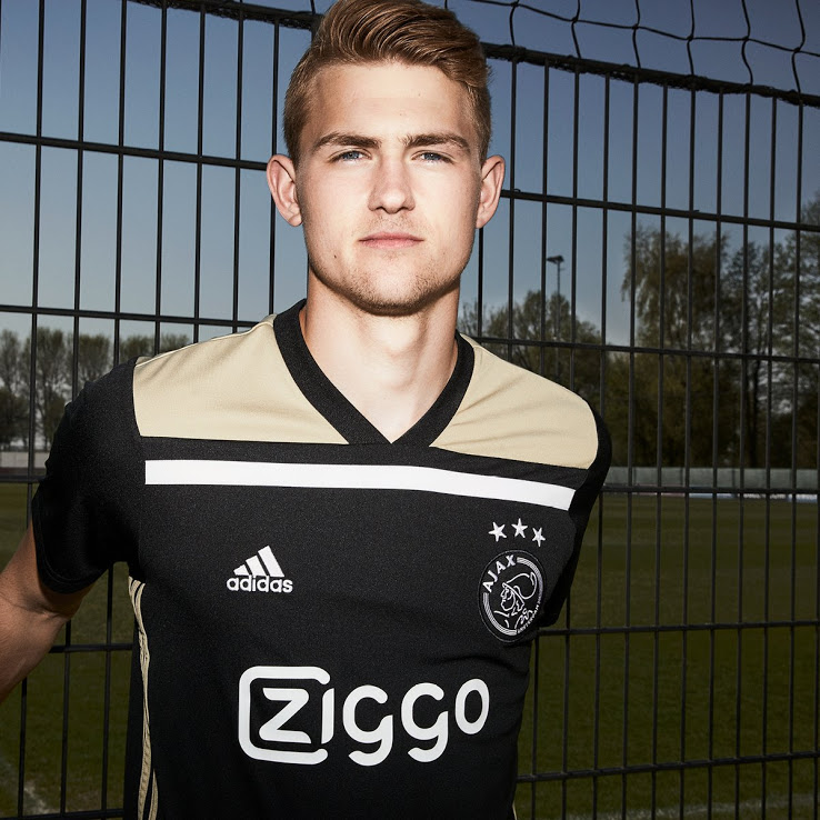AFC Ajax 2018/19 Kit - Dream League Soccer Kits