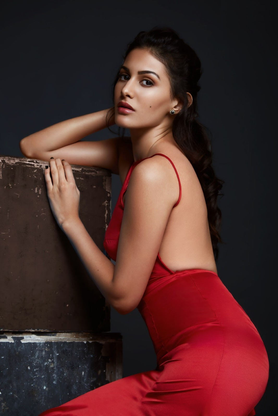 High Quality Bollywood Celebrity Pictures Amyra Dastur