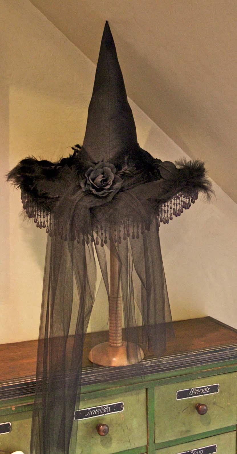 Halloween Decorating Tutorial