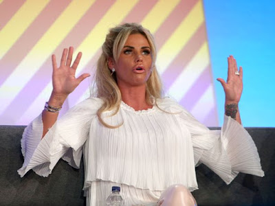 Katie-Price-addresses-delegates-at-the-Festival-of-Marketing (1)