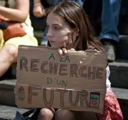 Jeune fille à la recherche d'un future