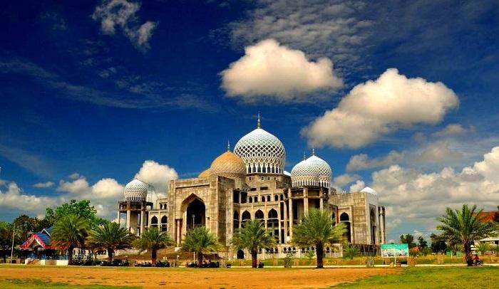 Hasil gambar untuk Masjid islamic center, Lhokseumawe