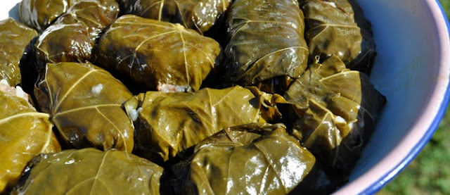 Japrak with grape leaves