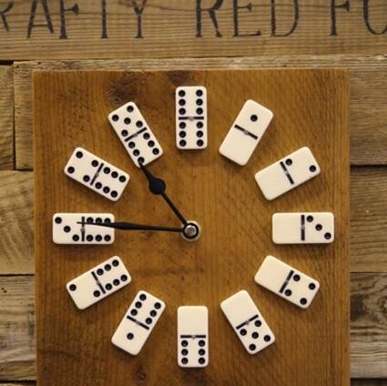 Clock with dominoes 2