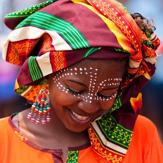 sorrisos femeninos  Mo%25C3%25A7ambique