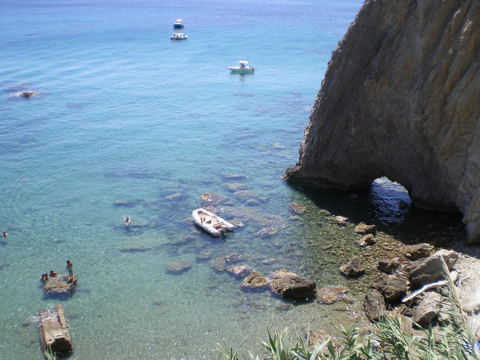 Frammenti di ponza la spiaggia della parata detta anche bifora - La parata bagno vignoni ...