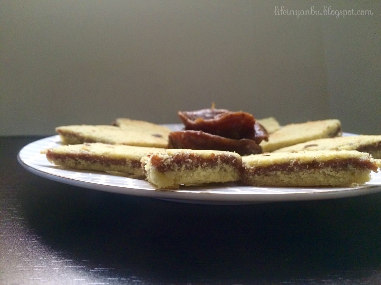 Algerian Brâdj | Diamond Cookies | Dates and Semolina