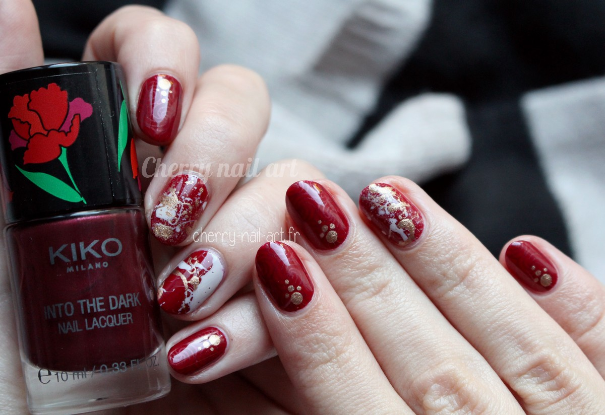 nail-art-splatter-taches-stamping-metallique-doré-kiko-into-the-dark