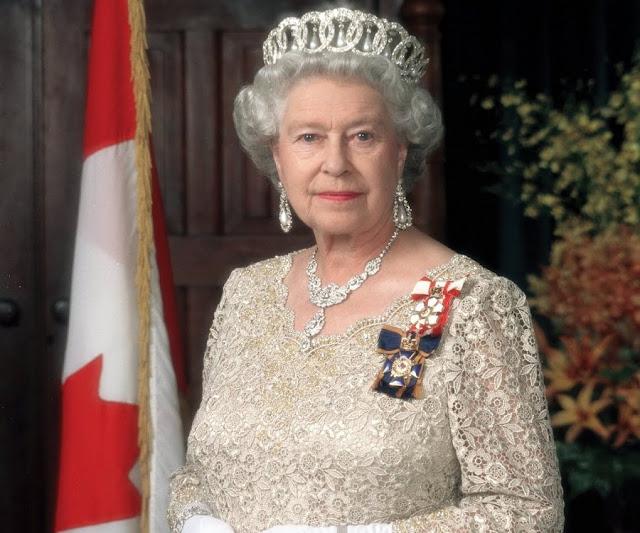 Teenager Attempts To Assassinate Queen Elizabeth (DETAILS)