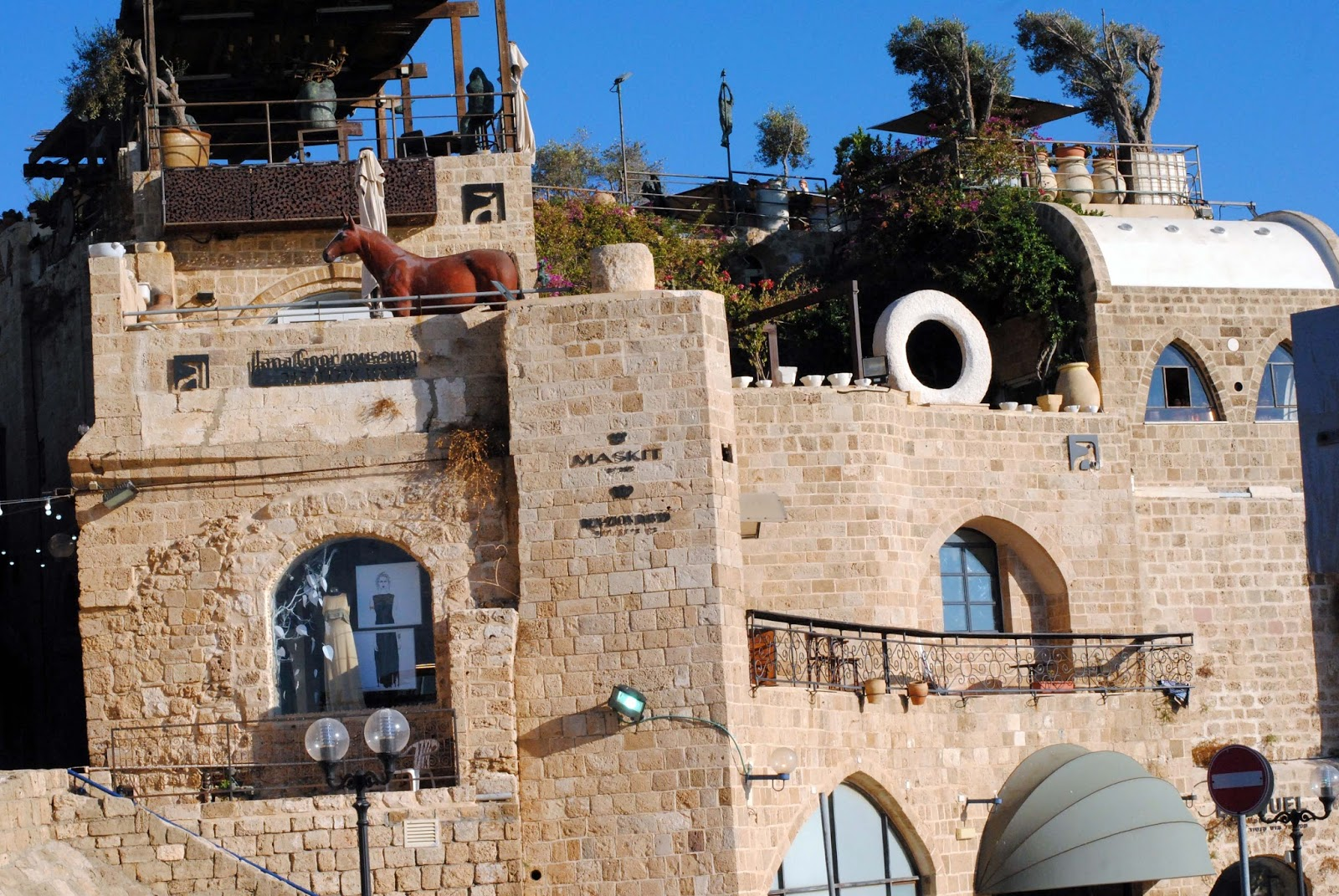 through picture  jaffa  israeli city with most ancient port
