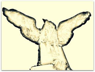 Águia no Jazigo de Júlio de Castilhos - Cemitério da Santa Casa