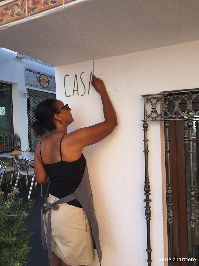 www.annecharriere.com, latelier danne benahavis, taller pintura, muebles pintados, anne charriere, casa ella,