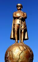 Atatürk, Tarih yapmış ve yazmıştır.